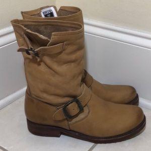 Frye Veronica Shortie Boot Size 7